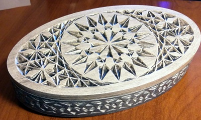 valerie_oval-box-carving